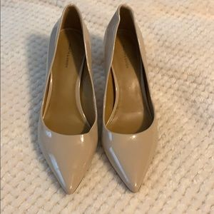 Nude patent leather point toe pumps size 7M